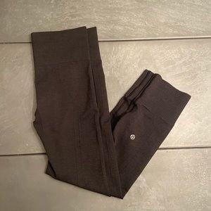 Women's gray capri length leggings